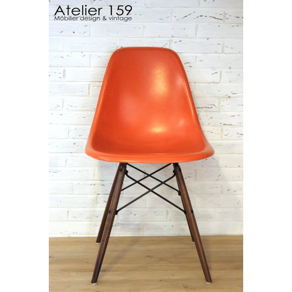 dsw chaise eames originale et vintage red orange herman miller atelier 159. Black Bedroom Furniture Sets. Home Design Ideas