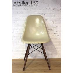 DSW Chaise Eames originale et vintage parchemin Herman Miller