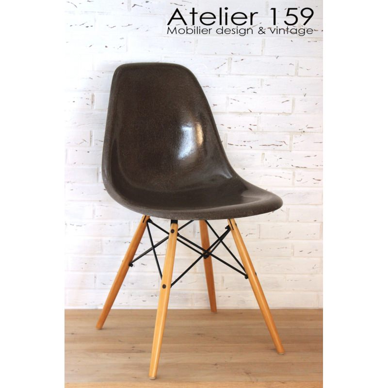 dsw chaise eames originale et vintage brown herman miller. Black Bedroom Furniture Sets. Home Design Ideas