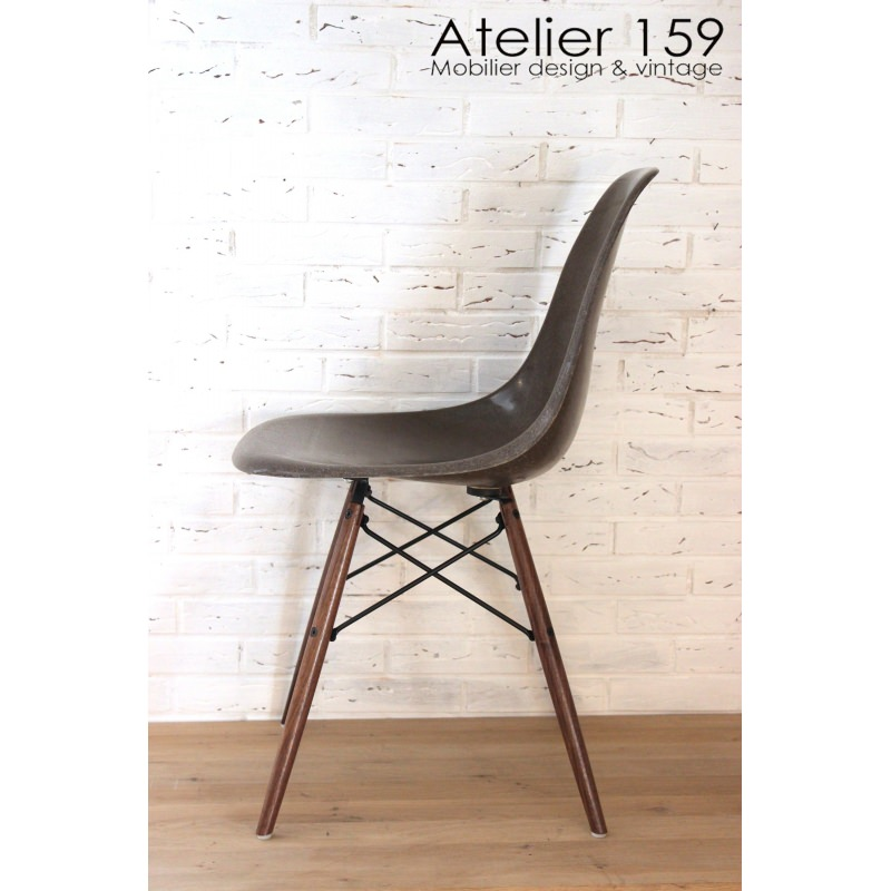 dsw chaise eames originale et vintage brown herman miller atelier 159. Black Bedroom Furniture Sets. Home Design Ideas
