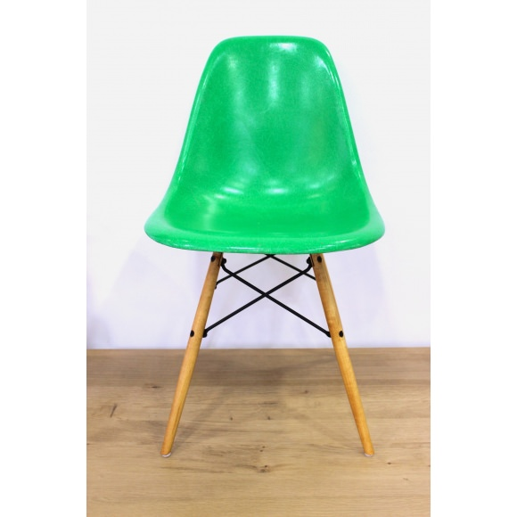 check-out d218f 09ad2 DSW Chaise Eames originale et vintage Kelly Green Herman Miller