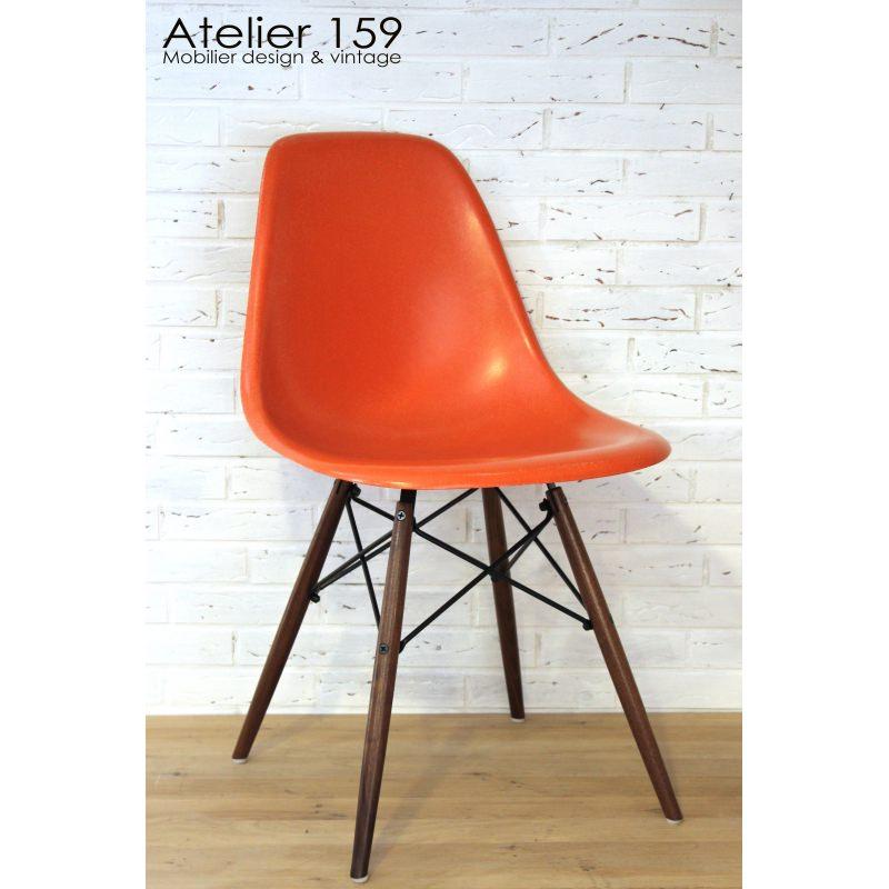 dsw chaise eames originale et vintage red orange herman miller atelier 159. Black Bedroom Furniture Sets. Home Design Ideas