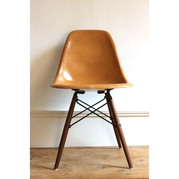 DSW Chaise Eames originale Ochre Dark Herman Miller