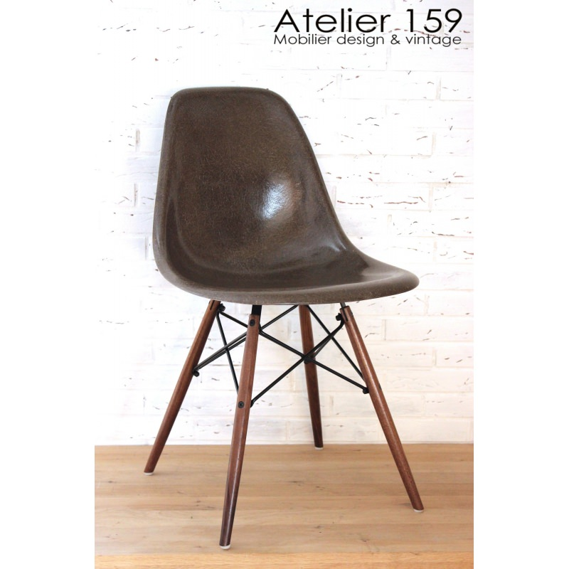 dsw chaise eames originale et vintage brown herman miller atelier 159. Black Bedroom Furniture Sets. Home Design Ideas